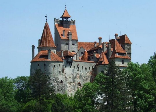 Замок Поэнари (Румыния)