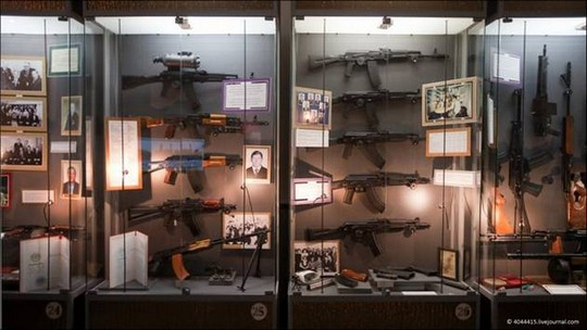 Attraction-Kalashnikov-Museum-1