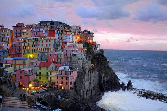 Visit-The-Beautiful-Place-In-Italy-Cinque-Terre1