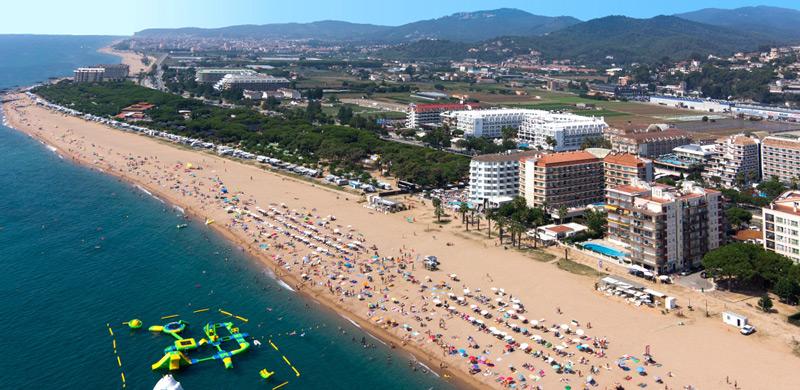 Llevant пляж в Барселоне