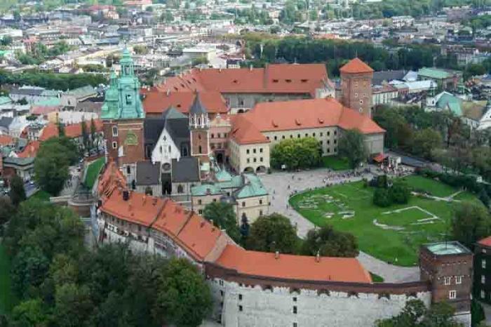Вельвельский замок