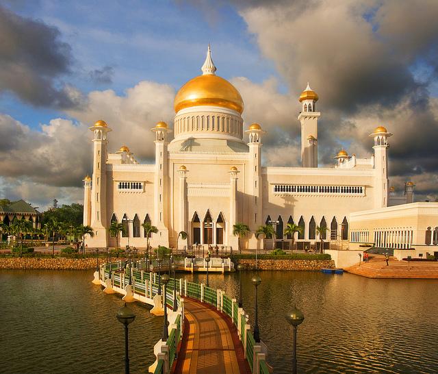 Omar Ali Saifuddien мечеть