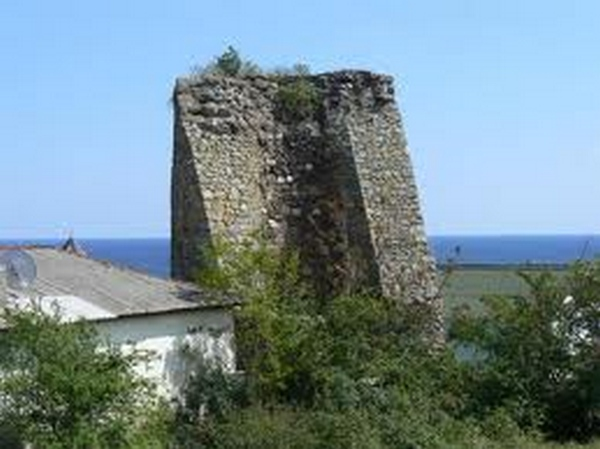 Развалины крепости Алустон