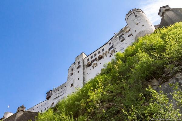 крепость Хоэнзальцбург, расположенная на горе Фестунгберг