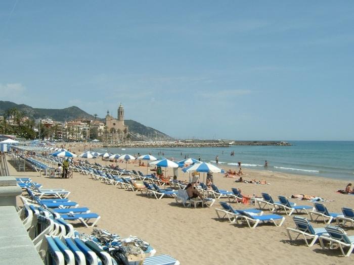 тёплое море Барселоны и пляж