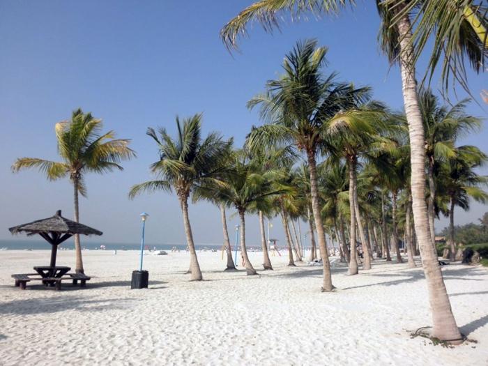 общественный пляж Дубая
