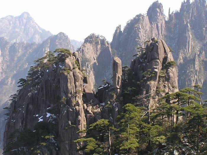 Желтые горы очень популярны среди туристов
