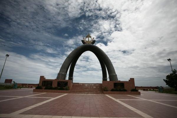 Памятник баррелю