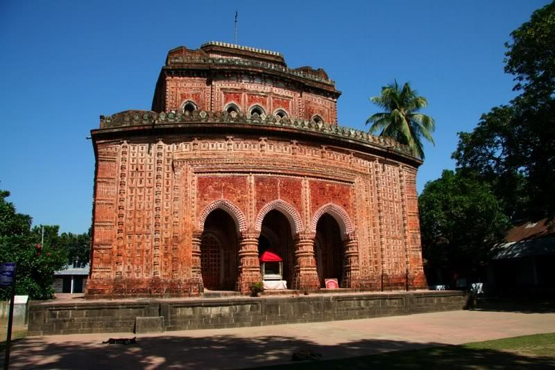 Храм Кантанагар
