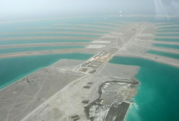 Начало строительства острова